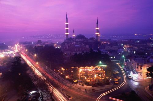 EDİRNE TARİH VE KÜLTÜR TURU 1.gün istanbul / EDİRNE Sabah saat 07:00'de İstanbul'dan hareket, saat 10:00'da Edirne'ye varış. Müsait ise otele yerleşme. Kent içi tarih...
